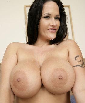 Carmella Bing Porno